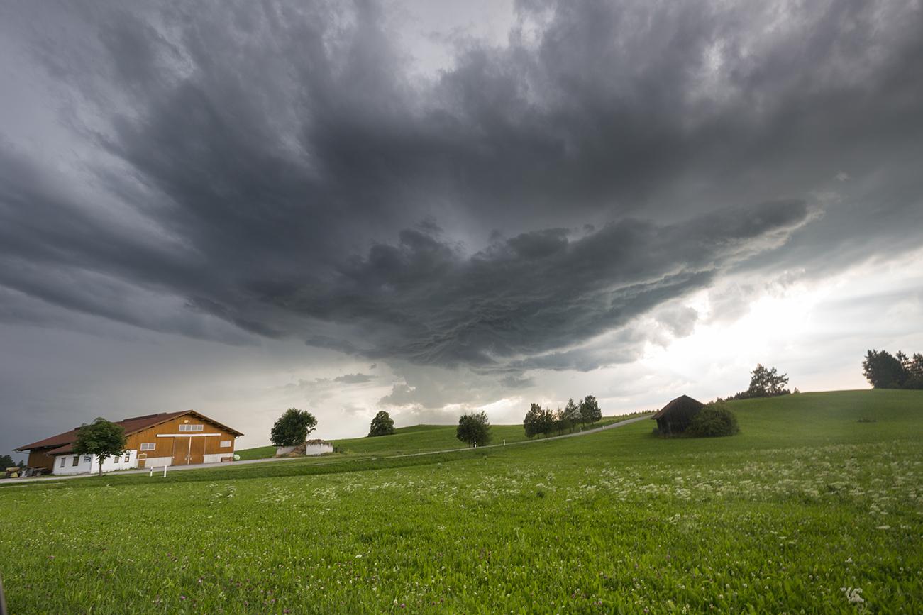 http://www.wetterbilder.net/Bilder/Beobachtungen/2017-07-18/2017.07.18-05.jpg